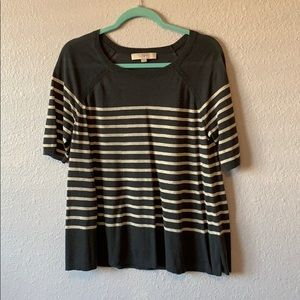 Short-sleeve stripped top